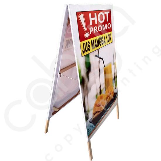 Cetak Standing Banner Segitiga